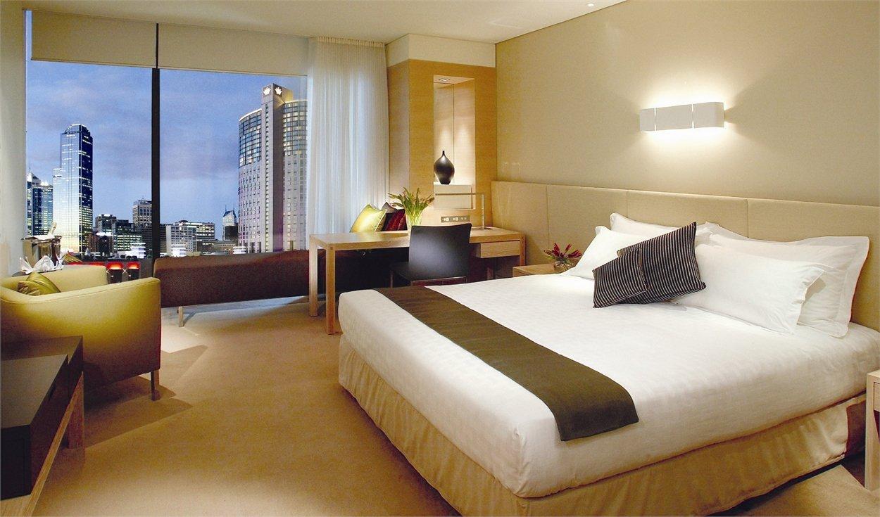 Crown Promenade Hotel