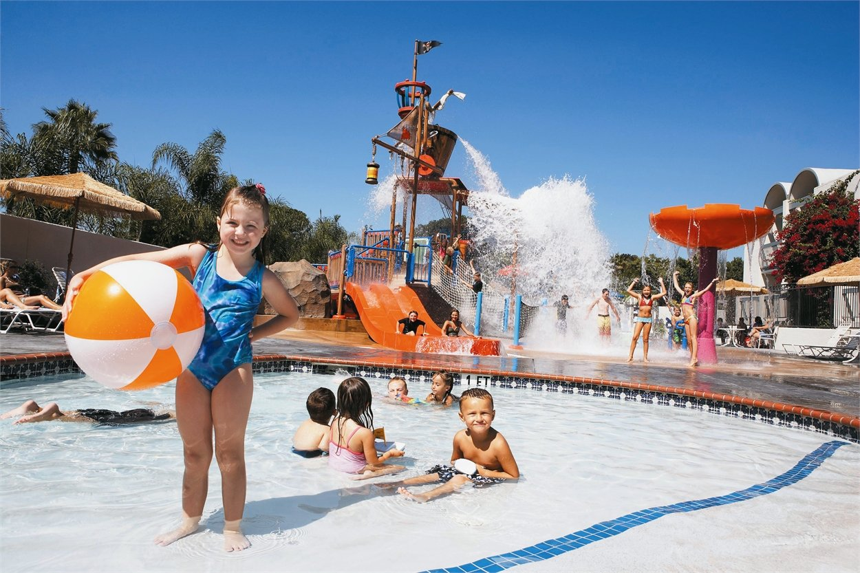 Howard Johnson Hotel & Water Playground